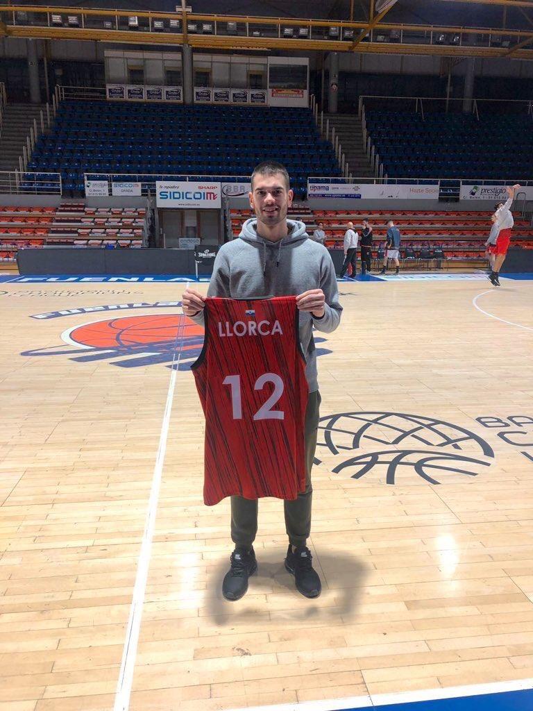 ¡Jacobo Méndez Vela, ganador de una camiseta de juego de Álex Llorca!